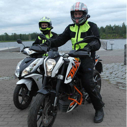 moottoripyörän kuristaminen a2